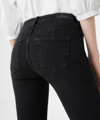 http://shop.mango.com/FR/p0/femme/vetements/jeans/jeggings/jegging-skinny-jane?id=83010090_TN&n=1&s=prendas.tejanos
