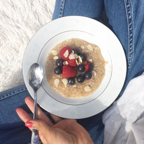 Porridge son d'avoine et eau de coco